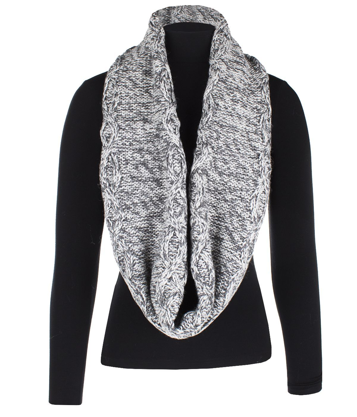 GREY KNITTED SCARF 1