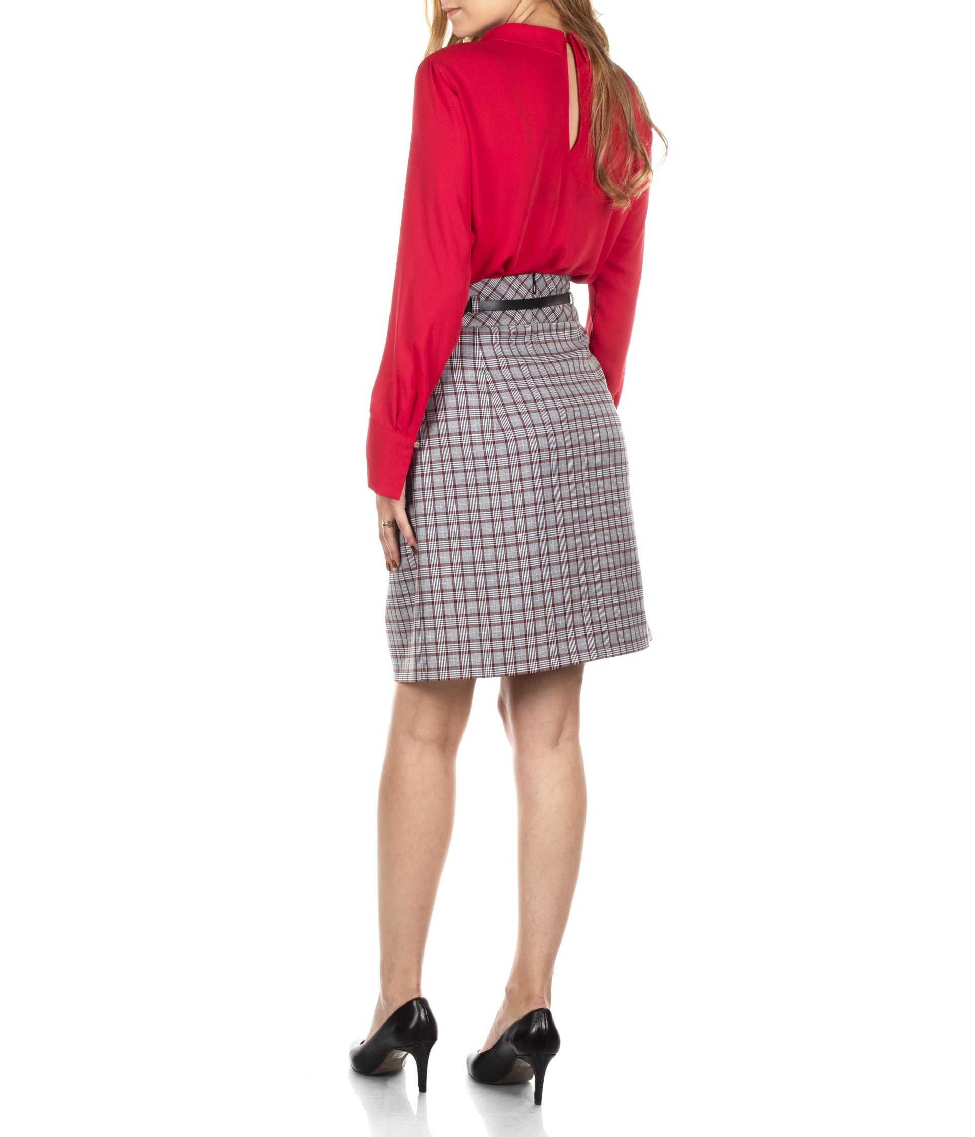 A LINE CHECKED SKIRT