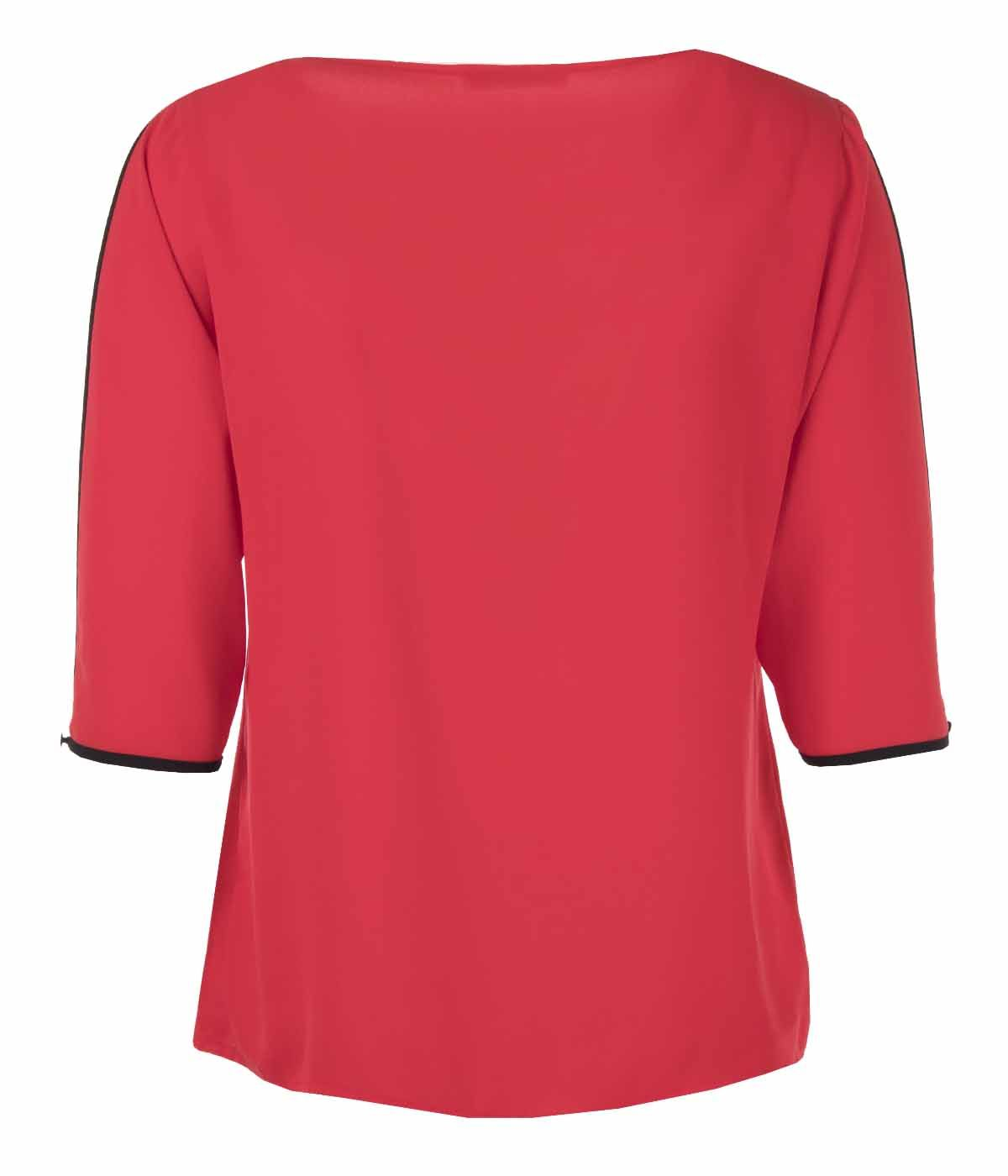 V-neck blouse with 3/4 sleeves  1