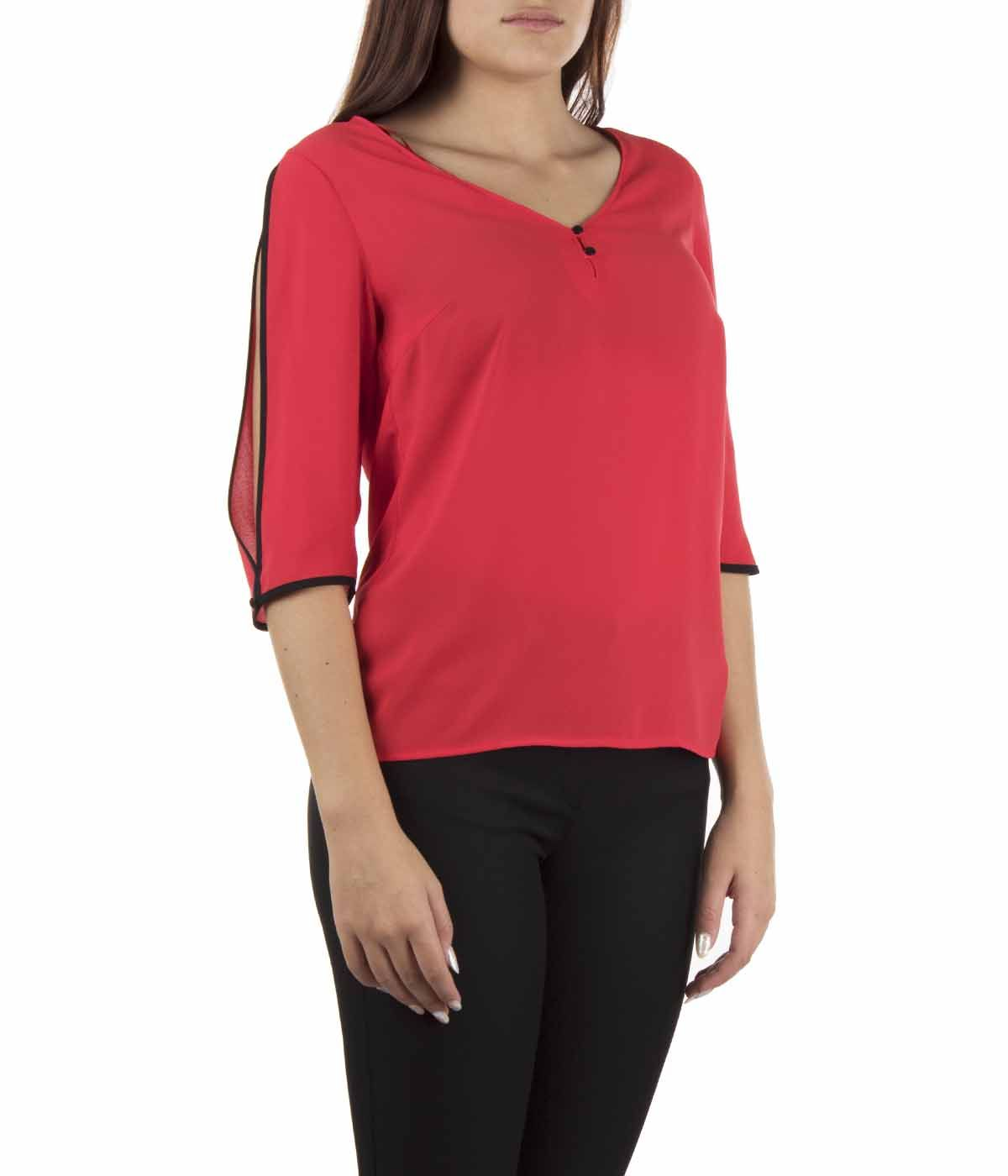 V-neck blouse with 3/4 sleeves  2