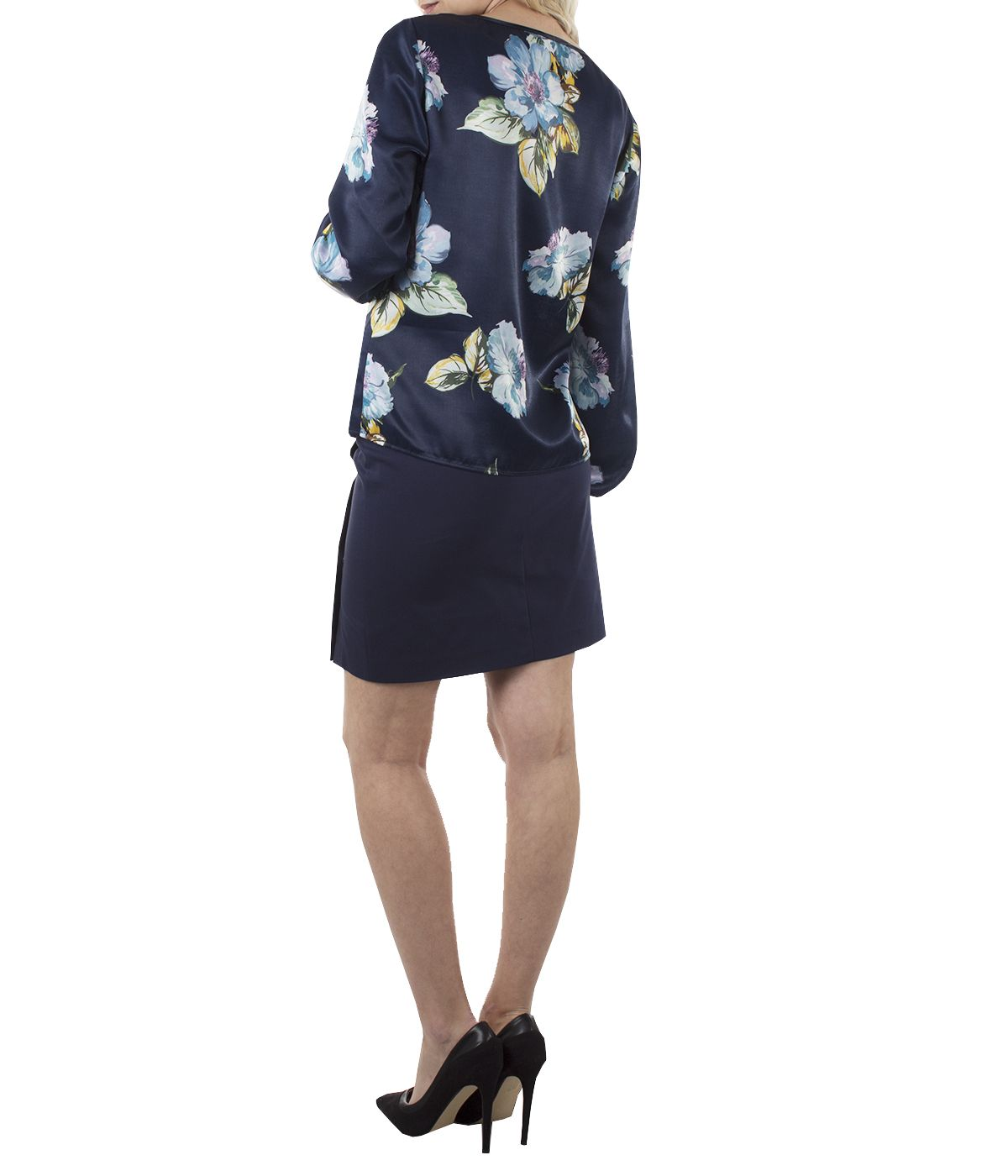 Long-sleeved round neck blouse with flowers print  2