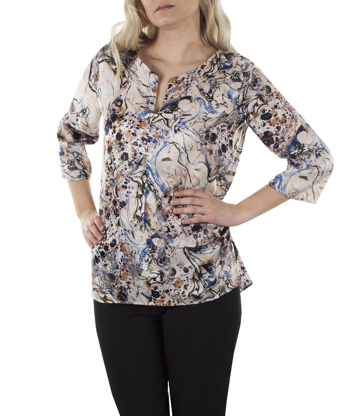 Blouse with 3/4 sleeves, box-pleat and abstract print  2